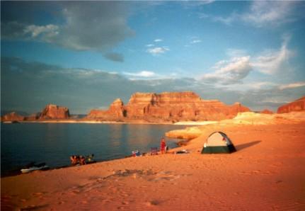 Lake Powell Camping Lake Powell Rv Park Travelwest